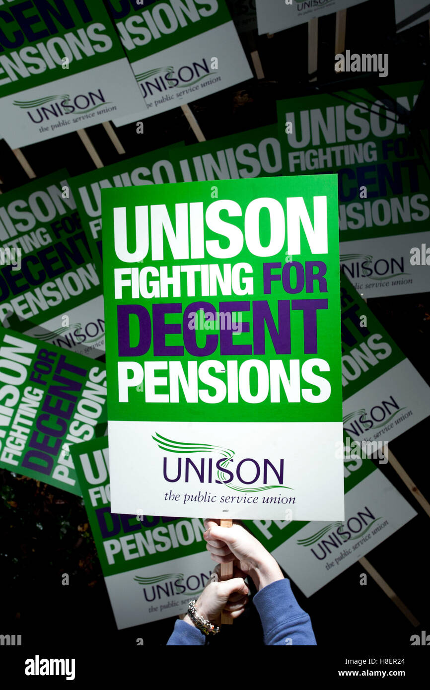 Unisons placards - fighting for decent pensions - Stock Image