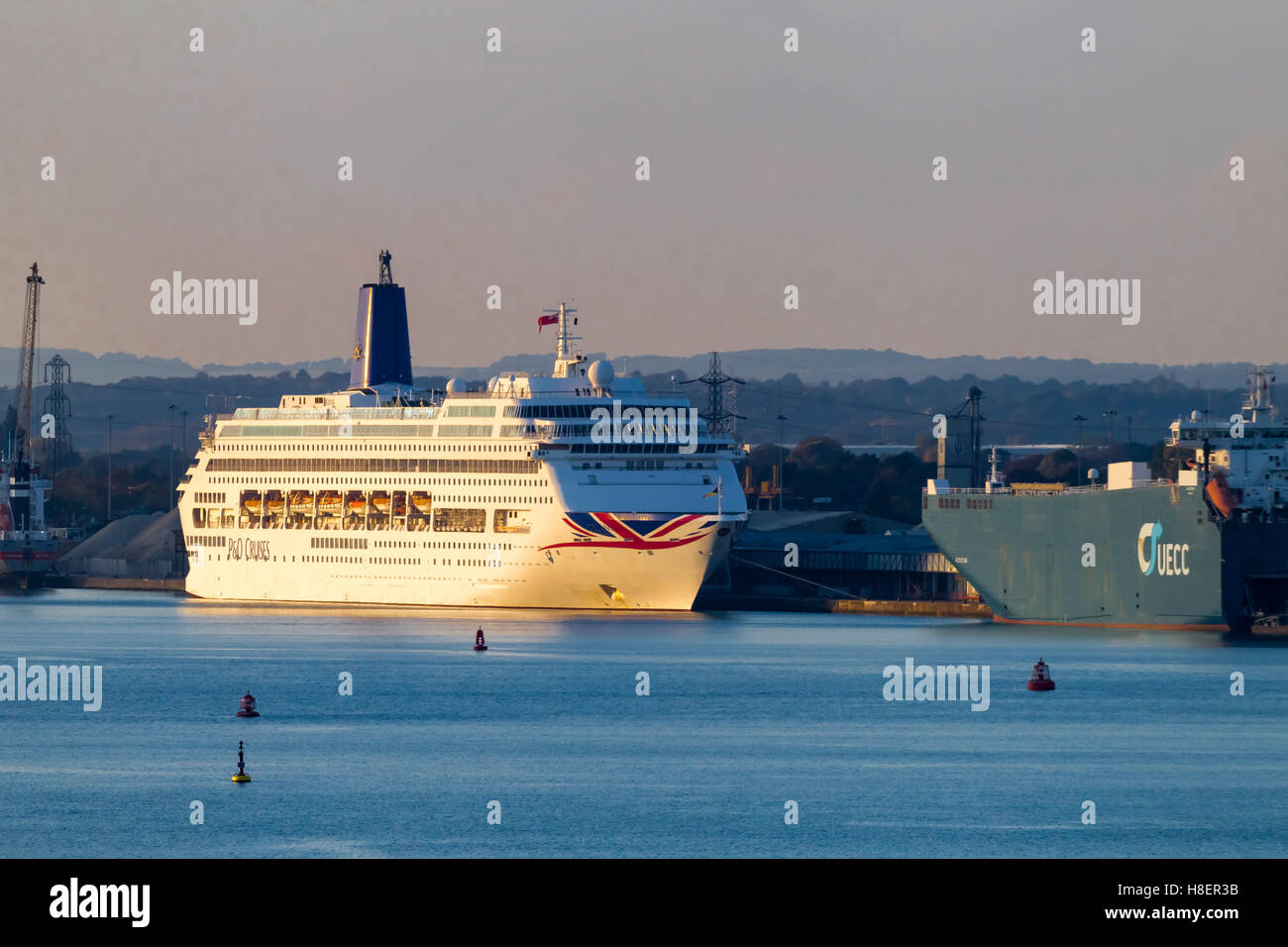 P&O Oriana moored before the start of a cruise in Southampton. - Stock Image