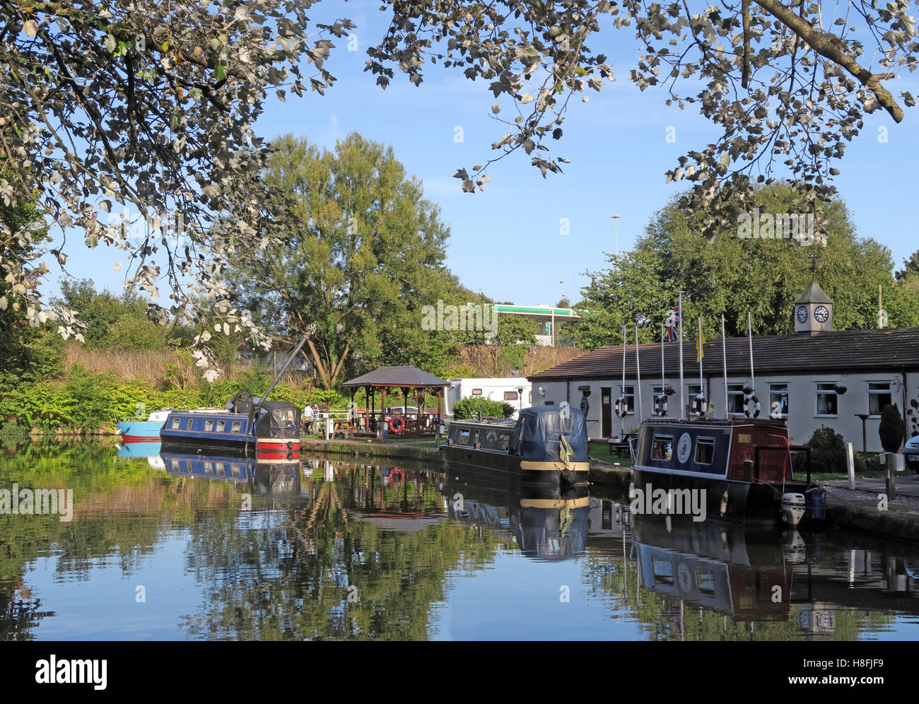 Bridgewater Canal Runcorn in Summer,waterside marina, Cheshire, England,UK with barges - Stock Image