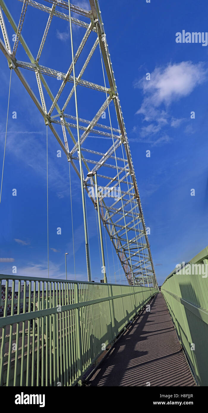 Runcorn to Widnes Silver Jubilee road bridge, A533, Halton, Cheshire, England, UK - Stock Image