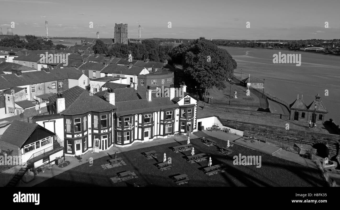 The Mersey Hotel, Widnes West Bank, Cheshire, England, UK - Stock Image