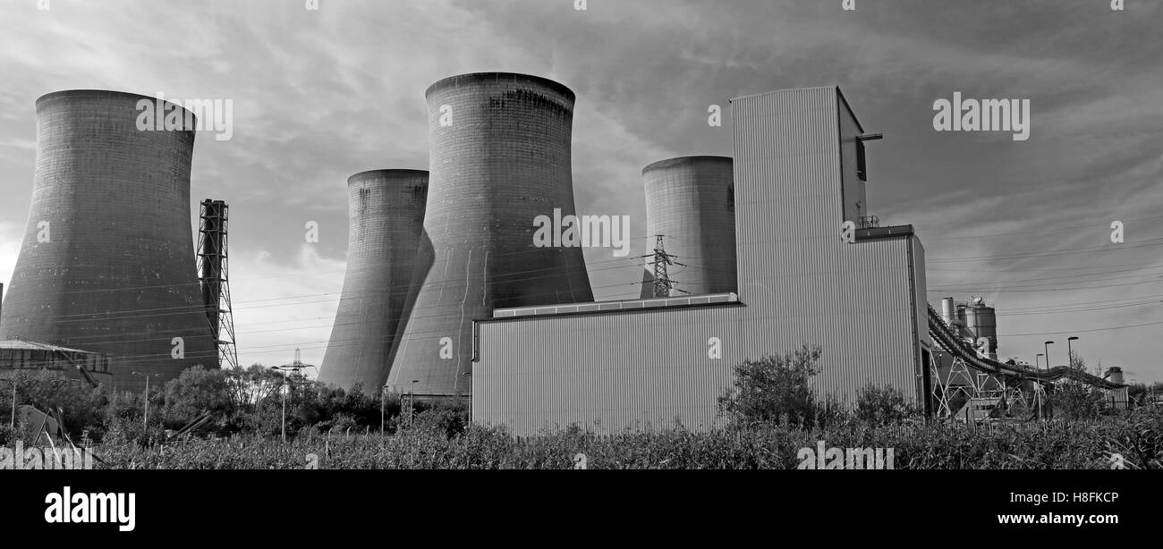 Fiddlers Ferry Power station towers,Warrington,Cheshire,England,UK - Stock Image