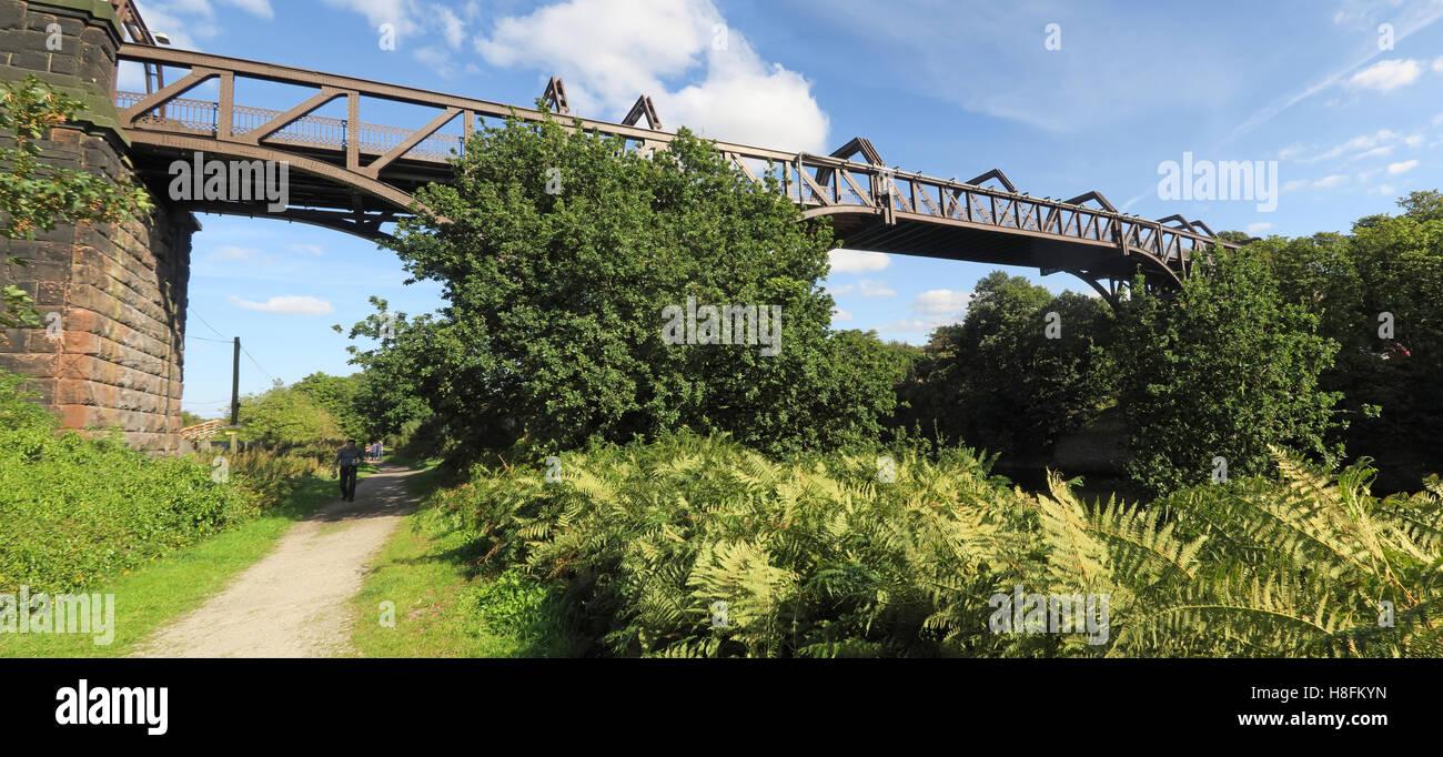 Cantilever Bridge,Manchester Ship Canal Latchford, Warrington, Cheshire, England, UK - Stock Image