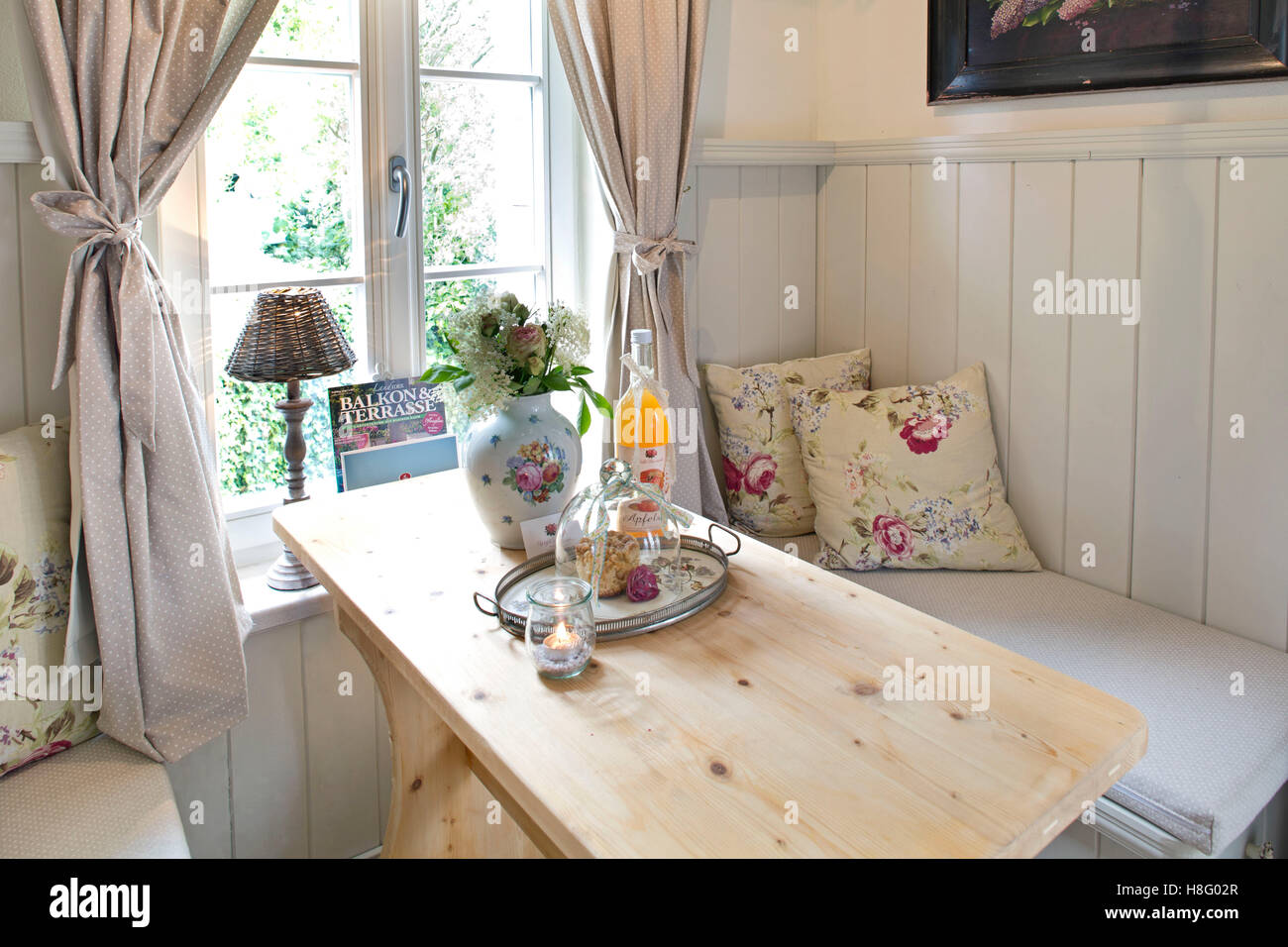 Kitchen table, holiday apartment \'Gartenlaube\'/ Boutique-Hotel ...