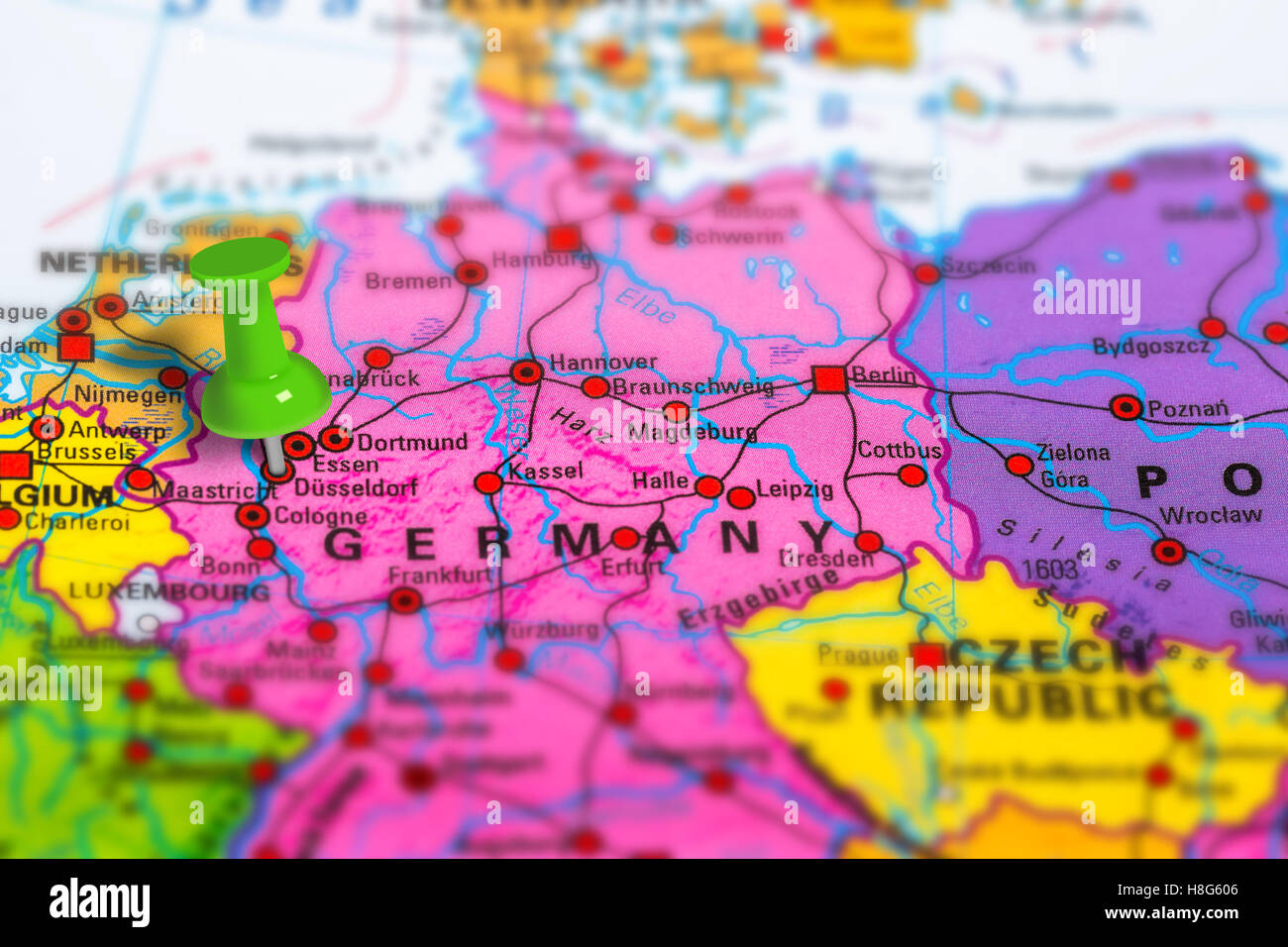 Germany Dusseldorf map Stock Photo: 125745766 - Alamy on map of cardiff germany, map of ludwigshafen germany, map of oslo germany, map of brussels germany, map of bremen germany, map of rotterdam germany, transportation map of germany, map of birmingham germany, map of geilenkirchen germany, map of ratingen germany, map of kaiserslautern germany, map of paris germany, map of munchen germany, map of germany airports, map of mecklenburg vorpommern germany, map of st goar germany, map of antwerp germany, map of luneburg germany, map of konigsberg germany, map of bad homburg germany,