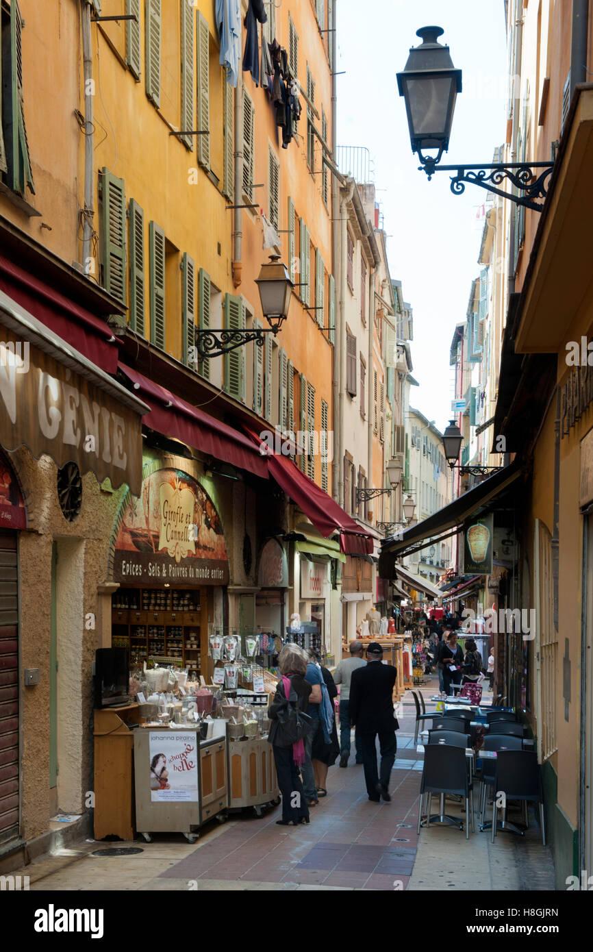 Frankreich, Cote d Azur, Nizza, Gasse in der Altstadt Stock Photo