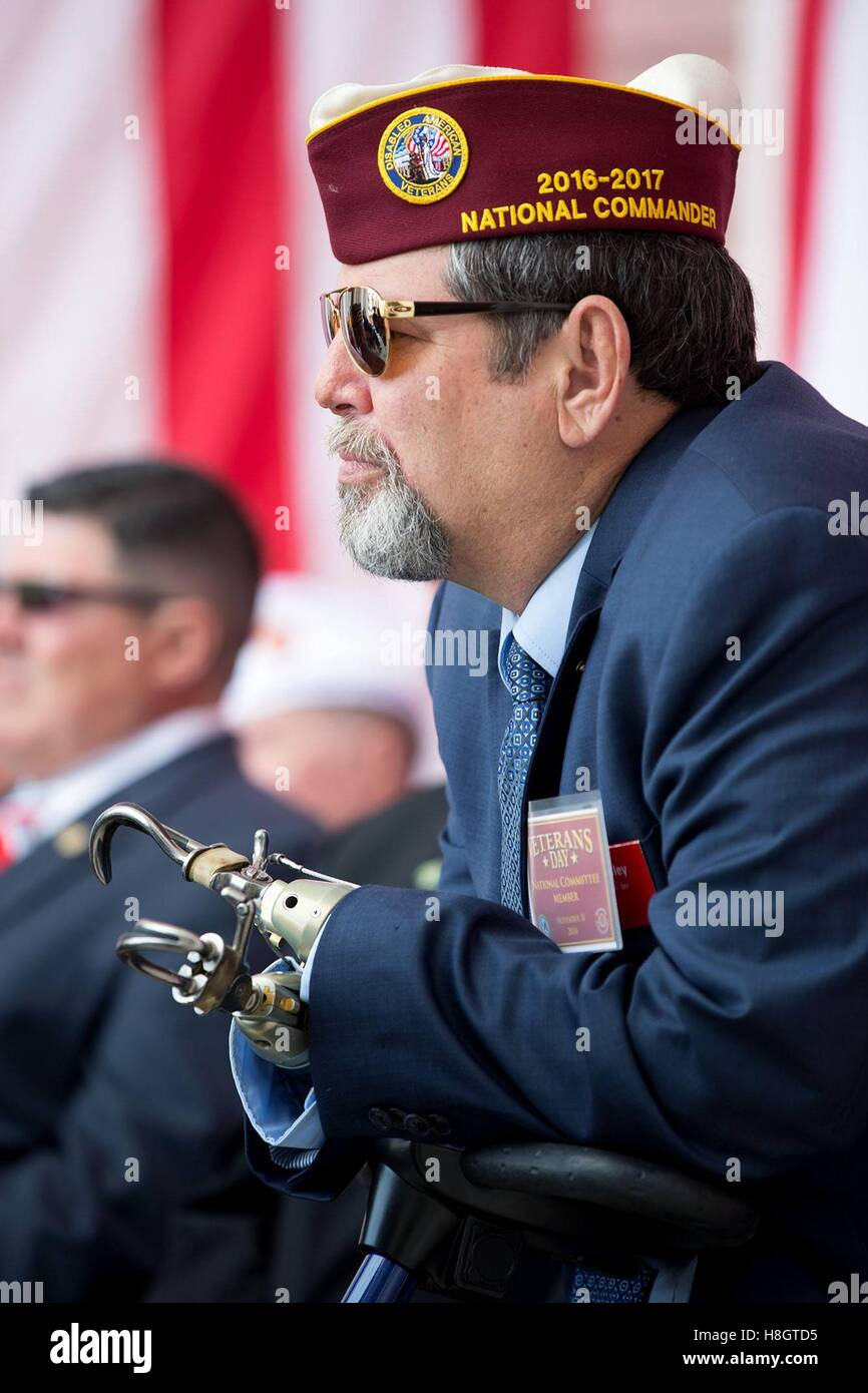 David Riley, National Commander of the Disabled American Veterans, listens to President Obama speak during a Veterans - Stock Image
