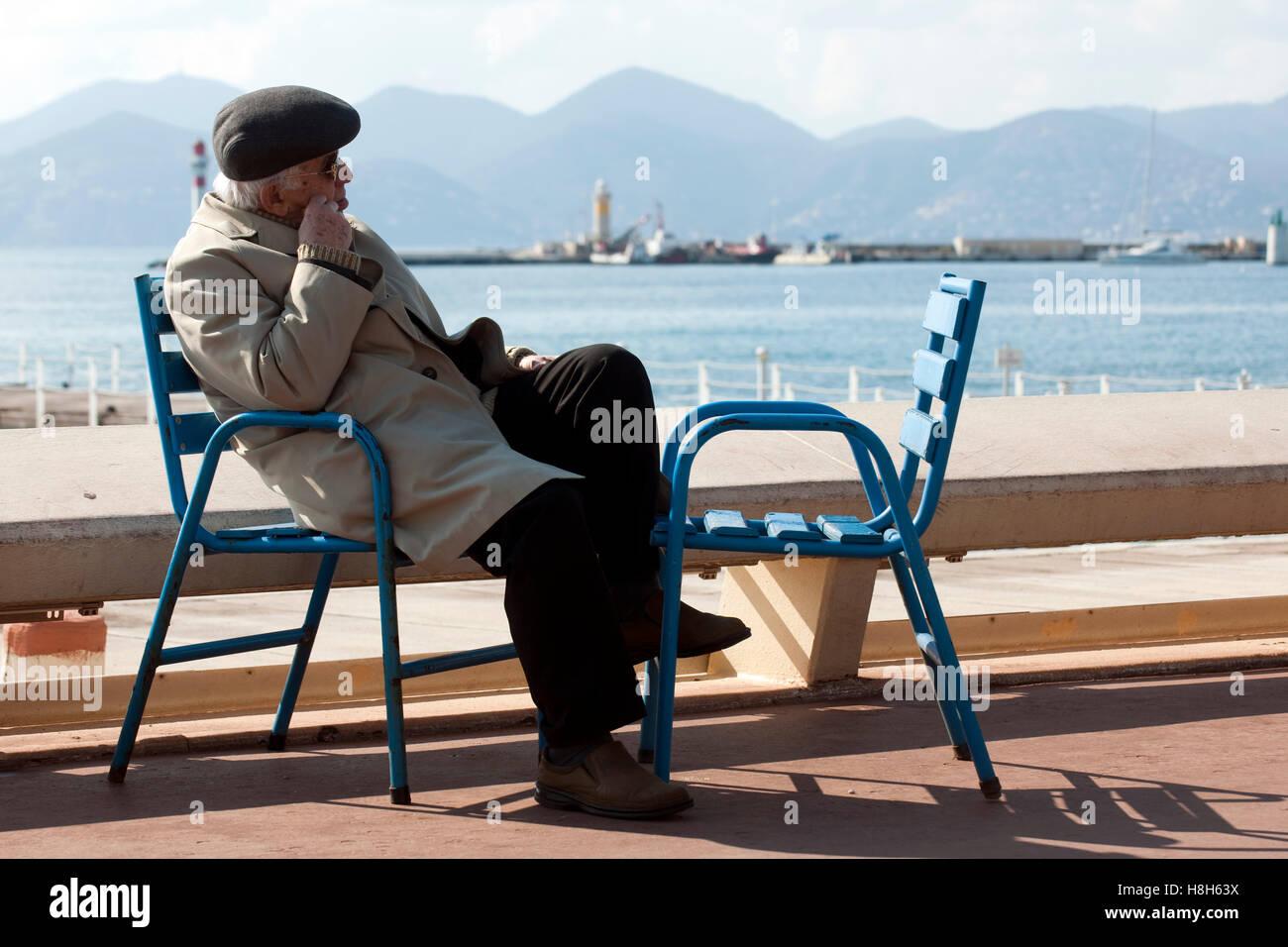 Frankreich, Cote d Azur, Cannes, Boulevard de la Croisette, elegante Flanierpromenade Stock Photo