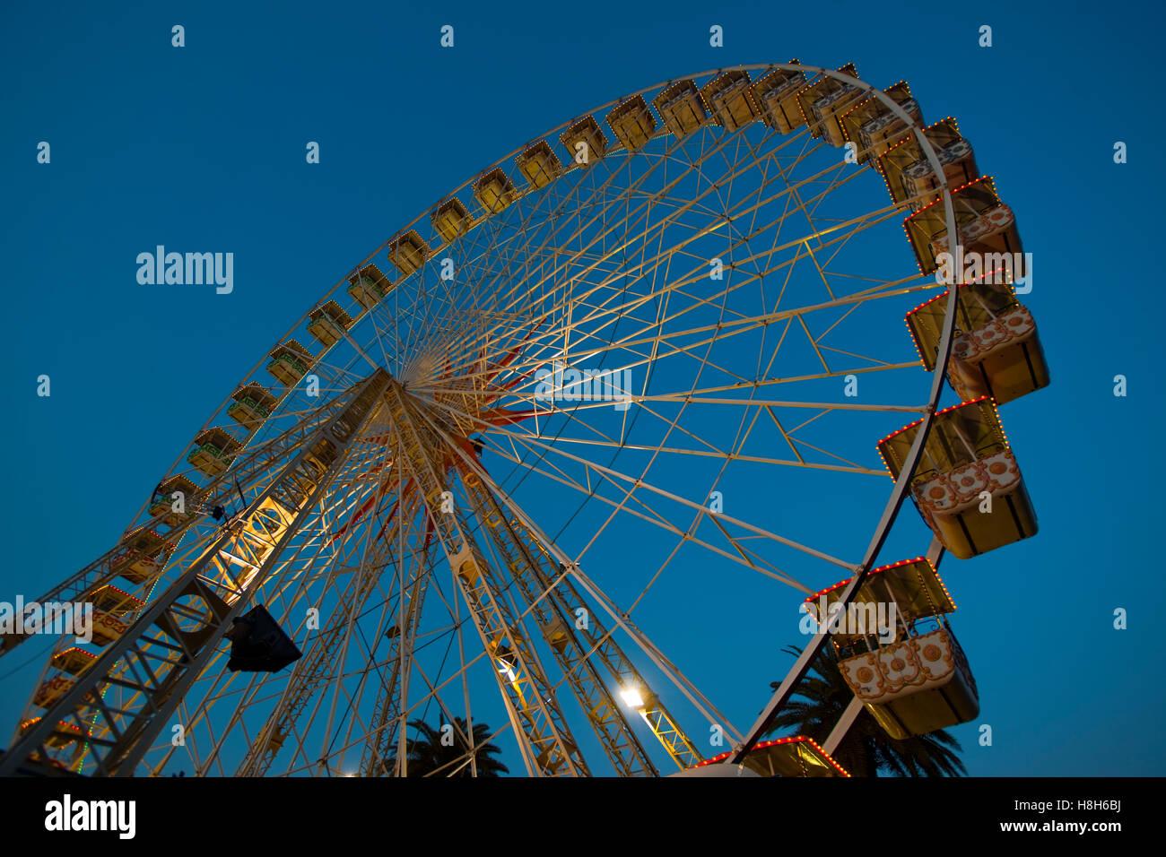 Frankreich, Cote d Azur, Nizza, Riesenrad im Park am Boulevard Jean Jaures zu Karneval - Stock Image
