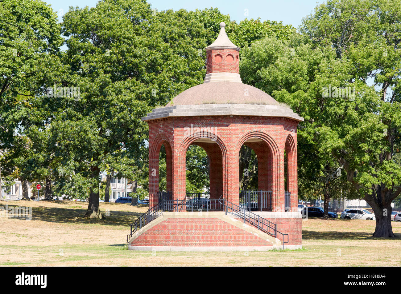 Band stand gazebo, City Point Park, South Boston, Massachusetts, USA - Stock Image