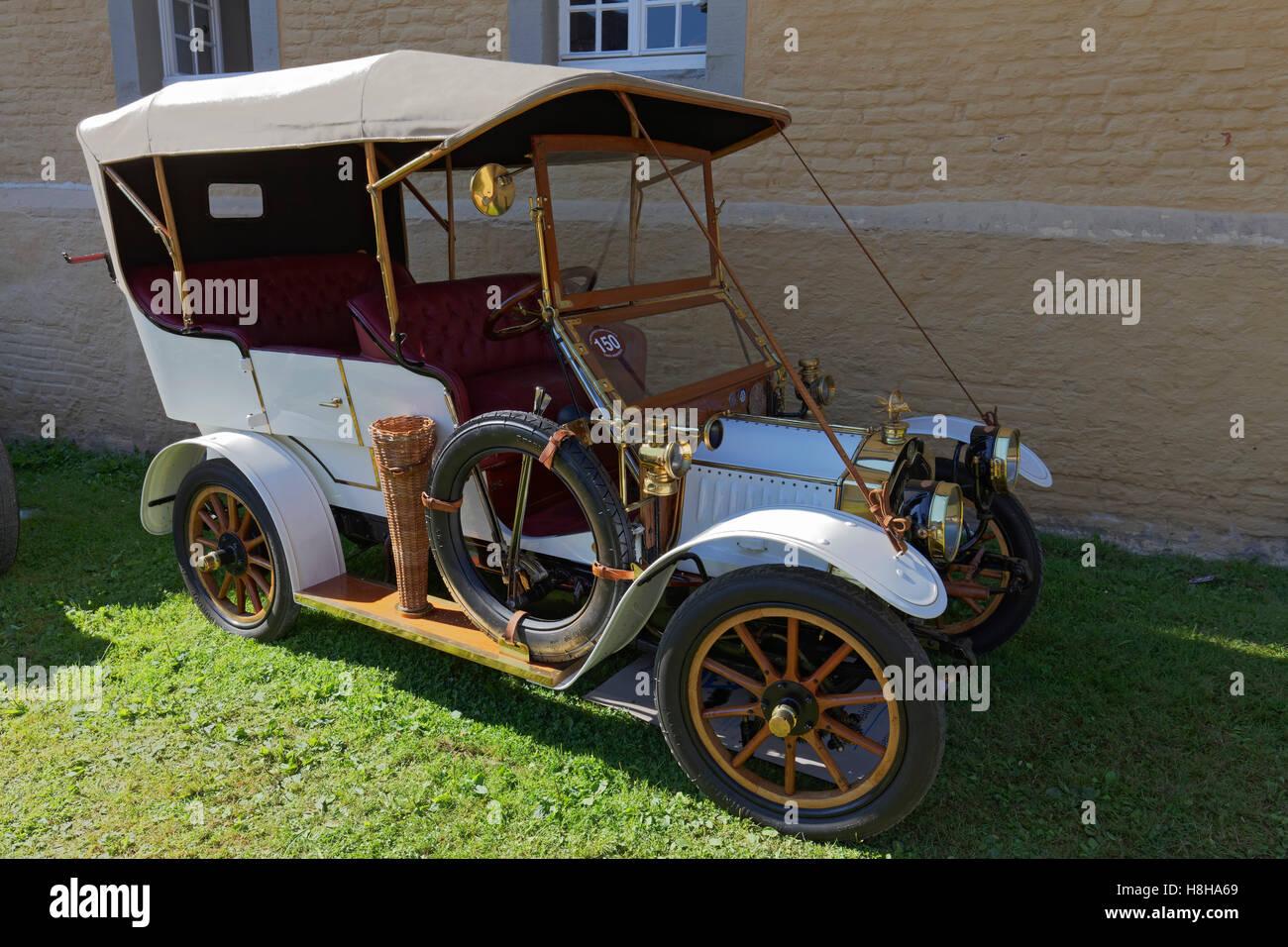 De Dion Bouton landaulet of 1908, French classic car, Schloss Dyck Classic Days 2016 Jüchen, Niederrhein - Stock Image
