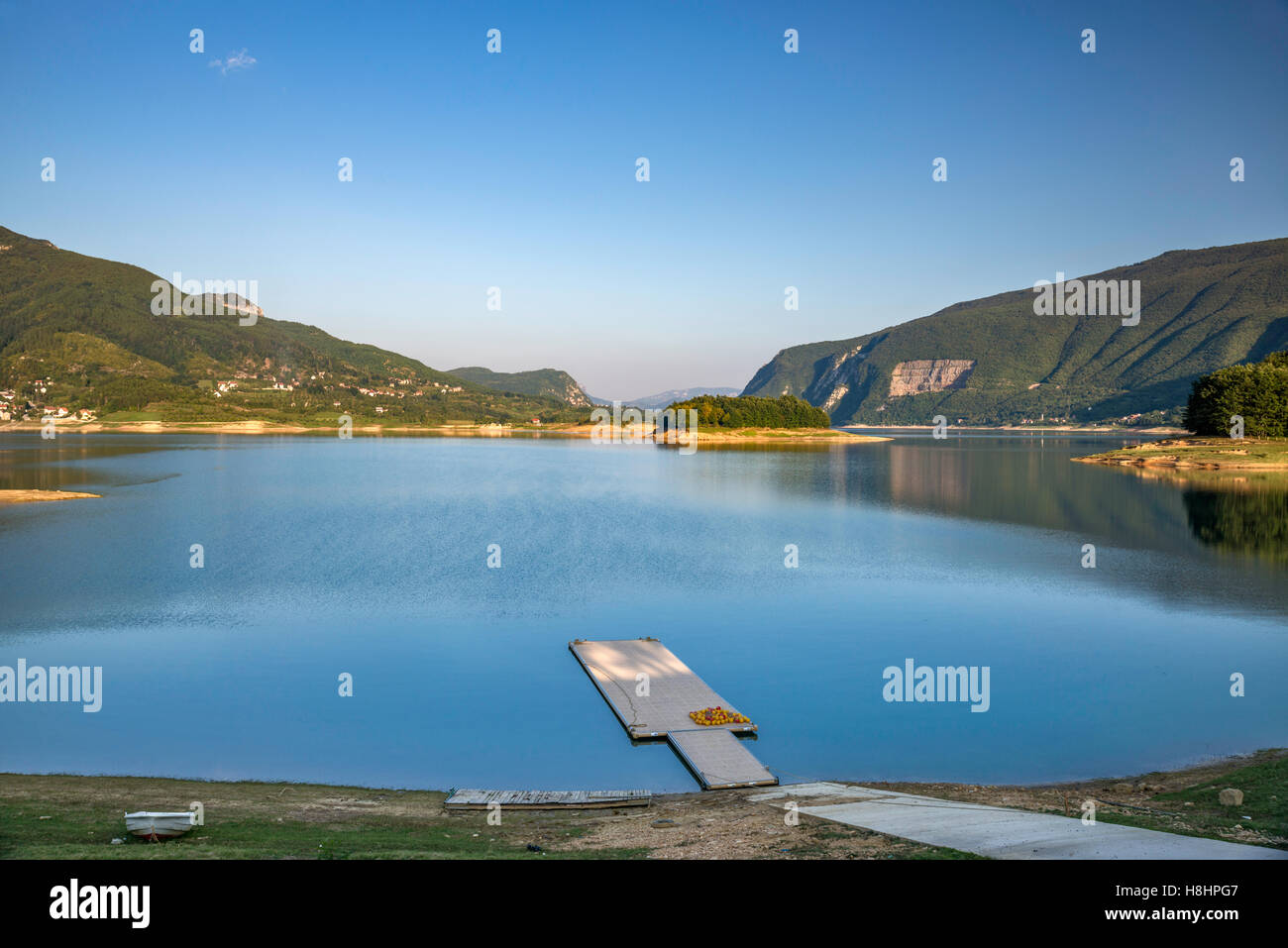 Ramsko jezero (Rama Lake), artificial lake in Rama Valley, Dinaric Alps, Bosnia and Herzegovina - Stock Image