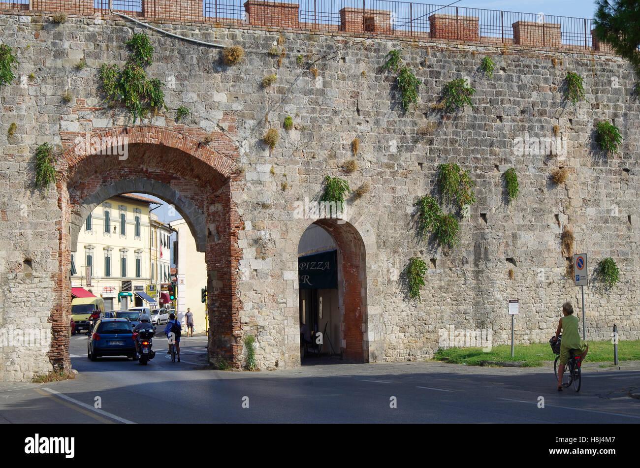 City Wall Pisa Stock Photos Amp City Wall Pisa Stock Images