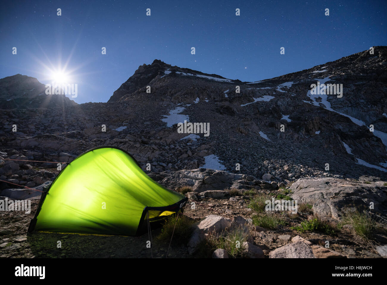 Camping under Glen Pass, Kings Canyon National Park, Sierra Nevada mountains, California, United States of America - Stock Image