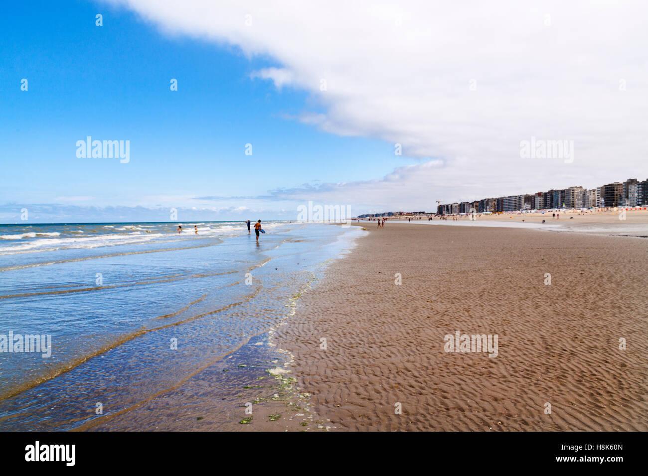 Vast sandy beach in the seaside resort of Middelkerke, Belgium Stock Photo
