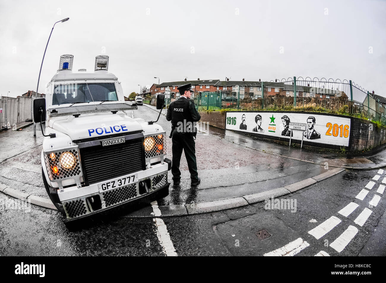 Belfast, Northern, Ireland. 13th Nov, 2016. PSNI Officers block off a road in Kenadoon, a Republican area of West - Stock Image