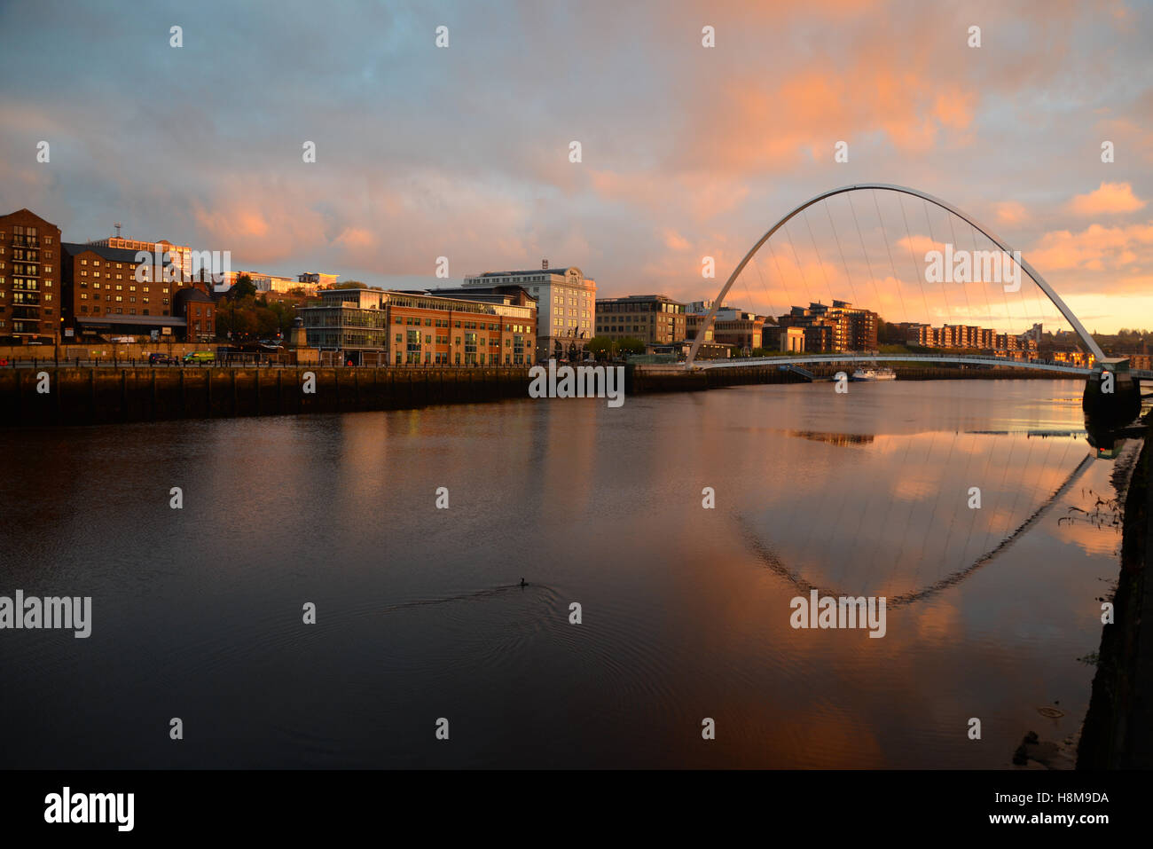 Newcastle upon Tyne quayside early morning on Tyne. (River Tyne) Stock Photo