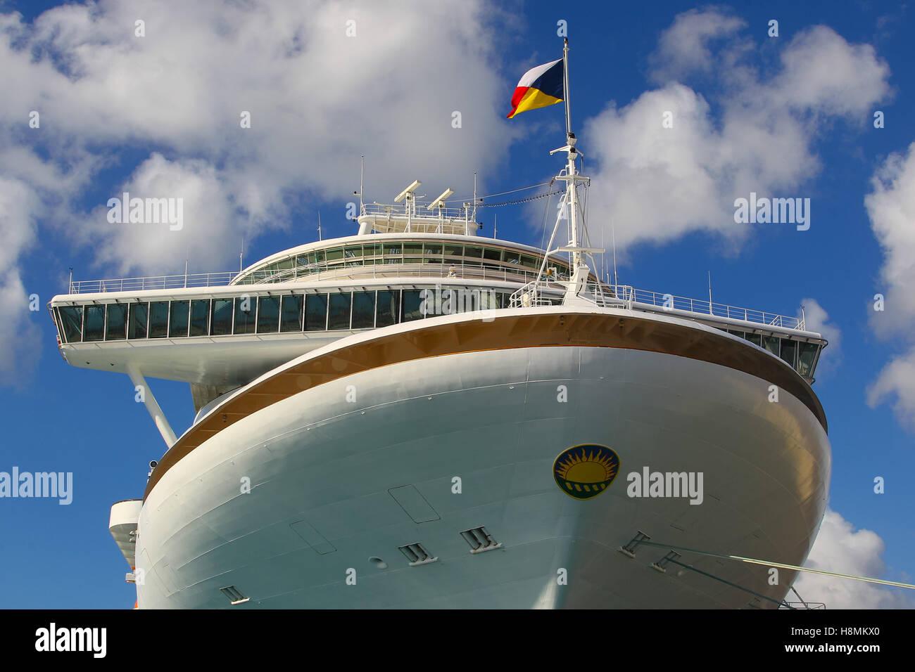 P & O Cruise ship, MS Azura - Stock Image