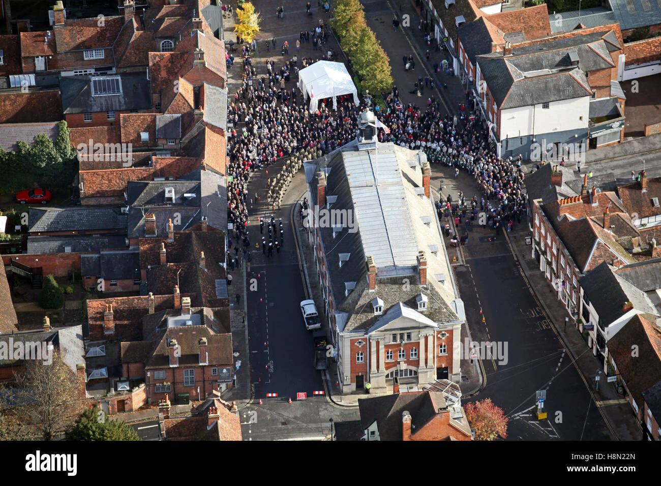 aerial view of Henley on Thames Market Square & Town Hall on Remembrance Sunday 2016, UK - Stock Image