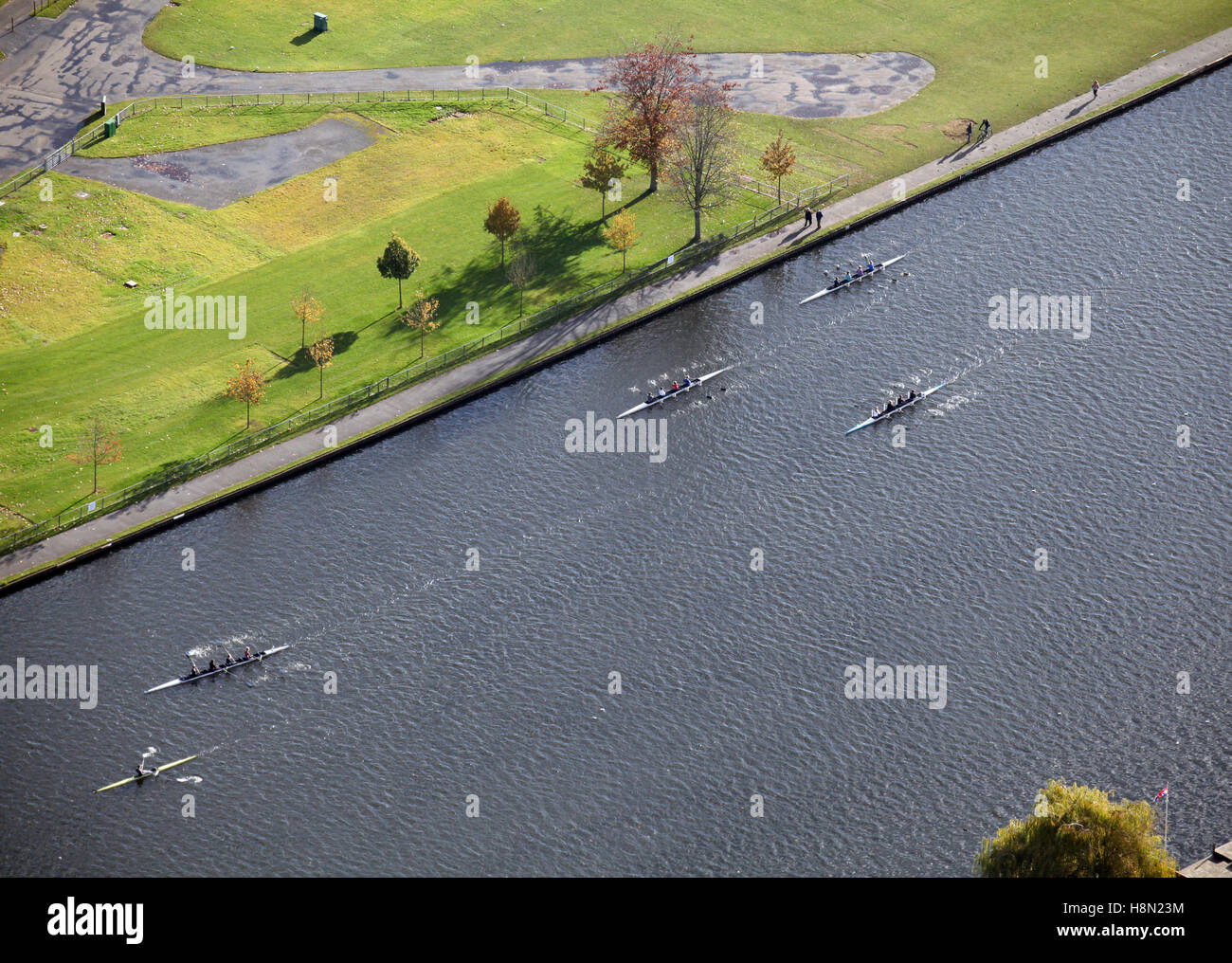 aerial view of sportsmen rowing on the Thames River at Henley-on-Thames, UK - Stock Image
