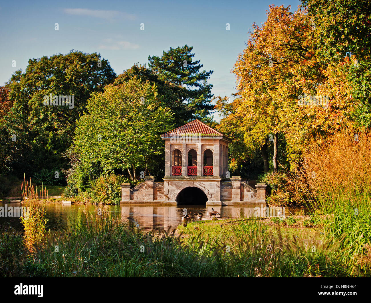 A scenic view of the boathouse, at Birkenhead Park, Wirral, Merseyside, UK - Stock Image