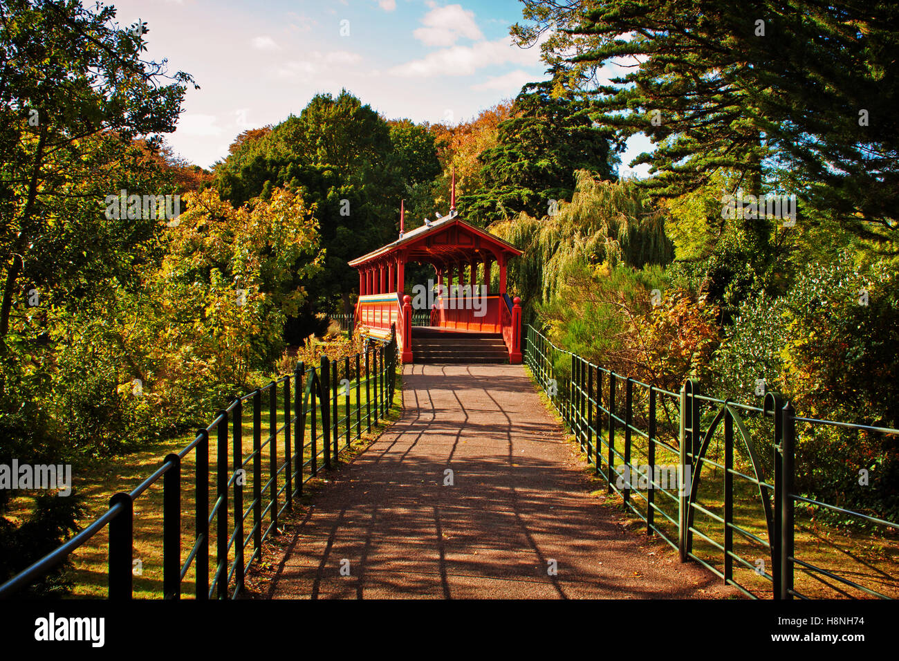 The path to the Swiss Bridge, Birkenhead Park - Stock Image