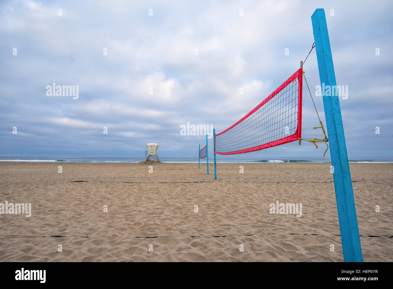 Beach Volleyball Net Lifeguard Tower Cloudy Morning Mission Beach Stock Photo Alamy