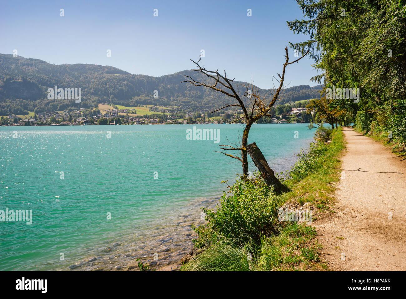 View on Wolfgangsee lake and Sankt Gilgen village, Salzkammergut, Austria - Stock Image