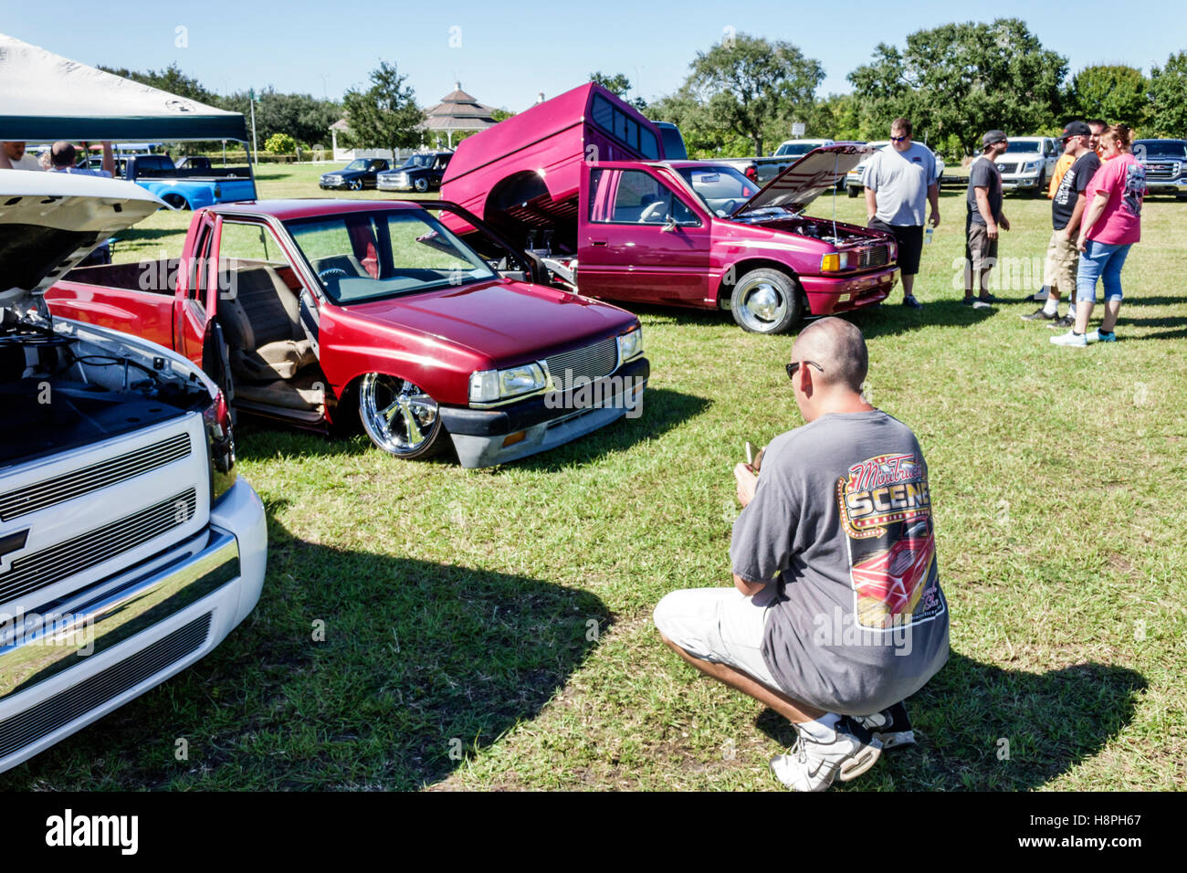 Vero Beach Florida Riverside Park Car Show Customized Pickup Trucks - Vero beach car show