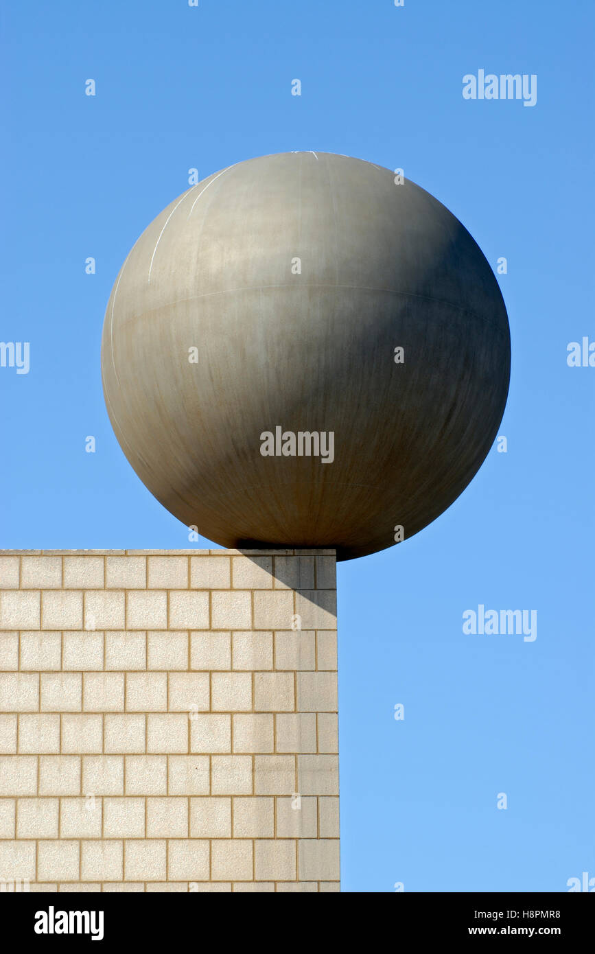 Frank Gehry's Esfera, Sphere sculpture at Port Olimpic at Barcelona's waterfront, Catalonia, Spain, Europe - Stock Image