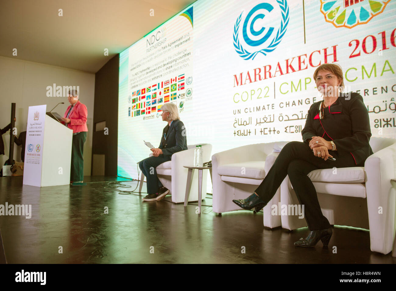 Marrakech, Morocco. 15th Nov, 2016. The German Federal Minister of the Environment Barbara Hendricks, the Moroccan Stock Photo