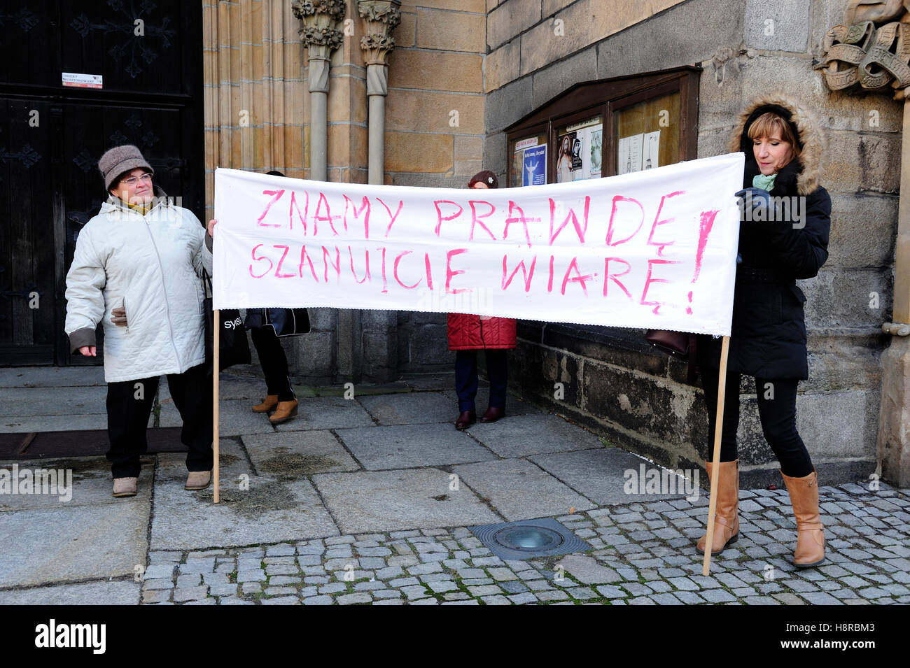 Swidnica, Poland,16th Nov.2016, Curia Bishop, protest against Bishop Ignacy Dec. Credit:  Kazimierz Jurewicz/Alamy - Stock Image
