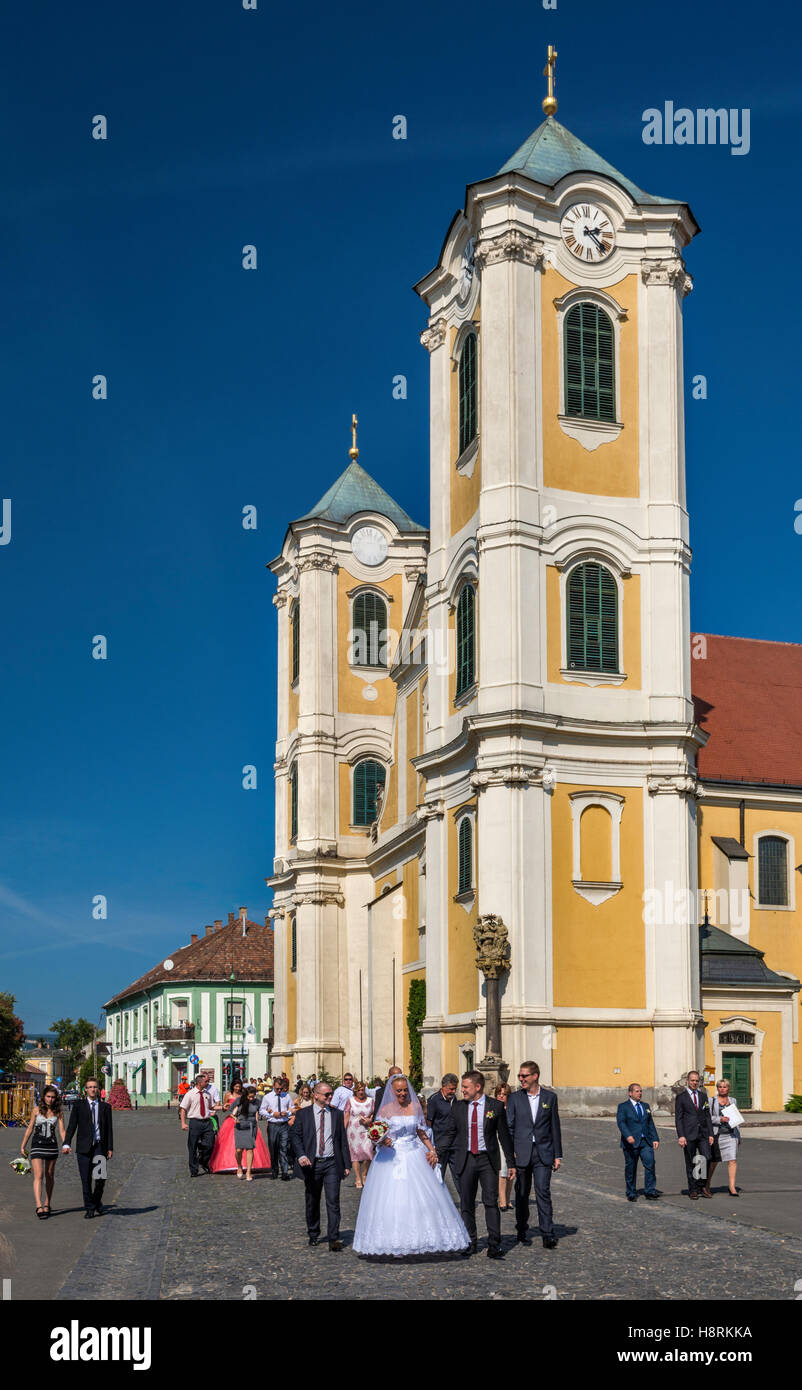Newlyweds, Saint Bartholomew Church in Gyongyos, Hungary - Stock Image