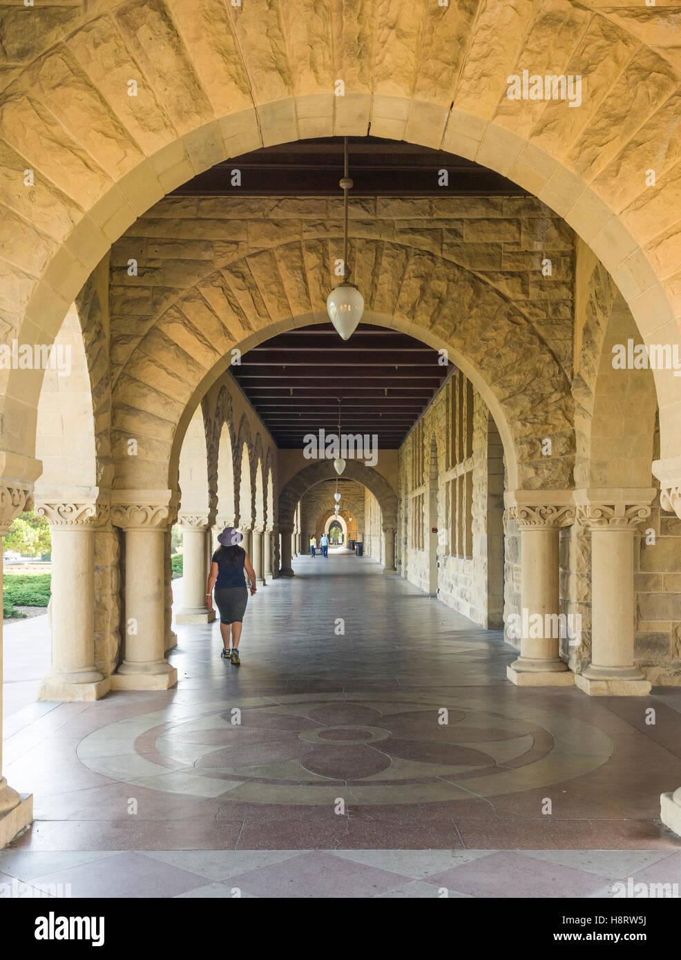 Main quadrangle and Rodin Sculpture Garden in Stanford University ...
