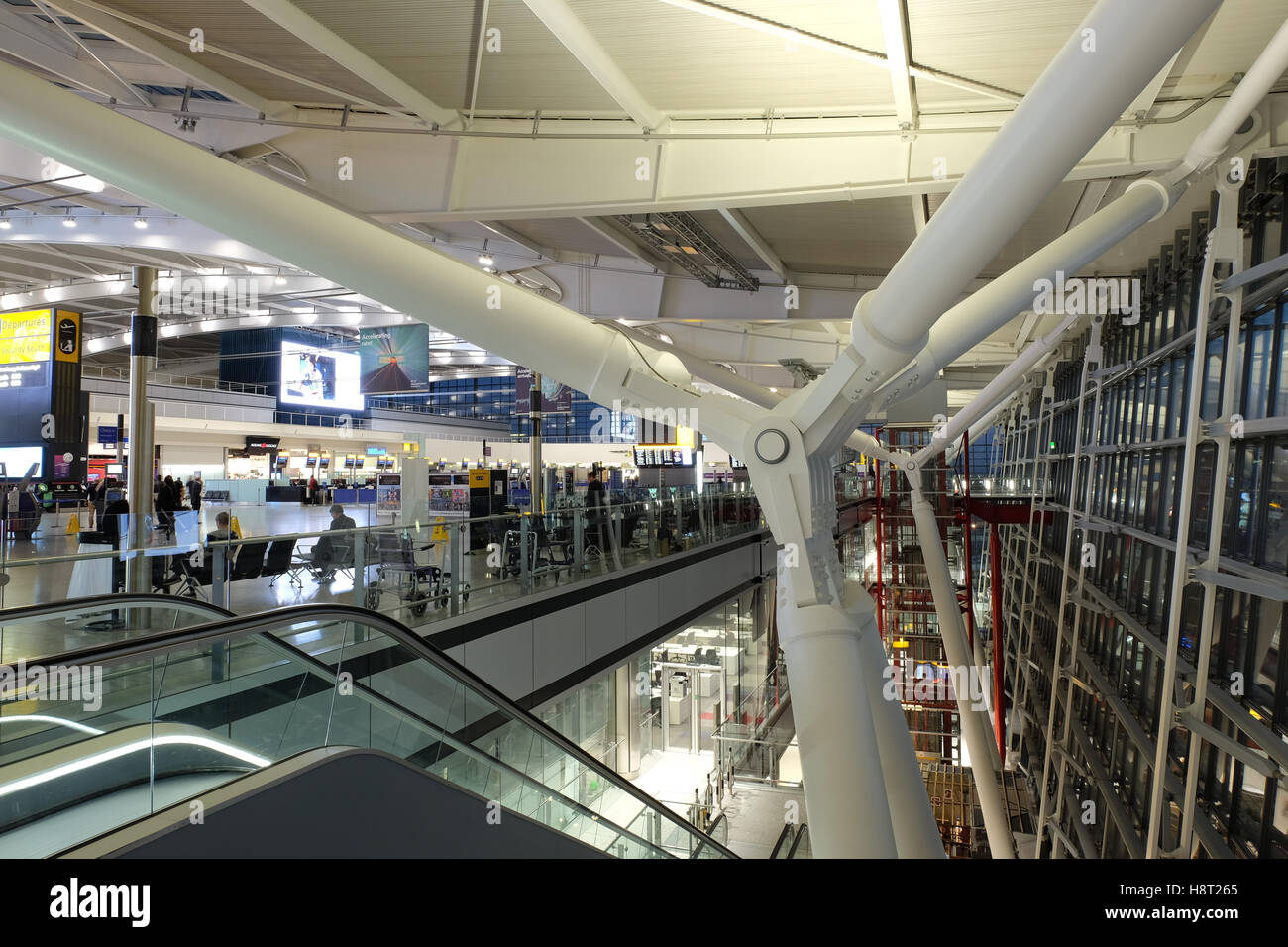 uk, england, Heathrow airport Terminal 5 dusk Stock Photo