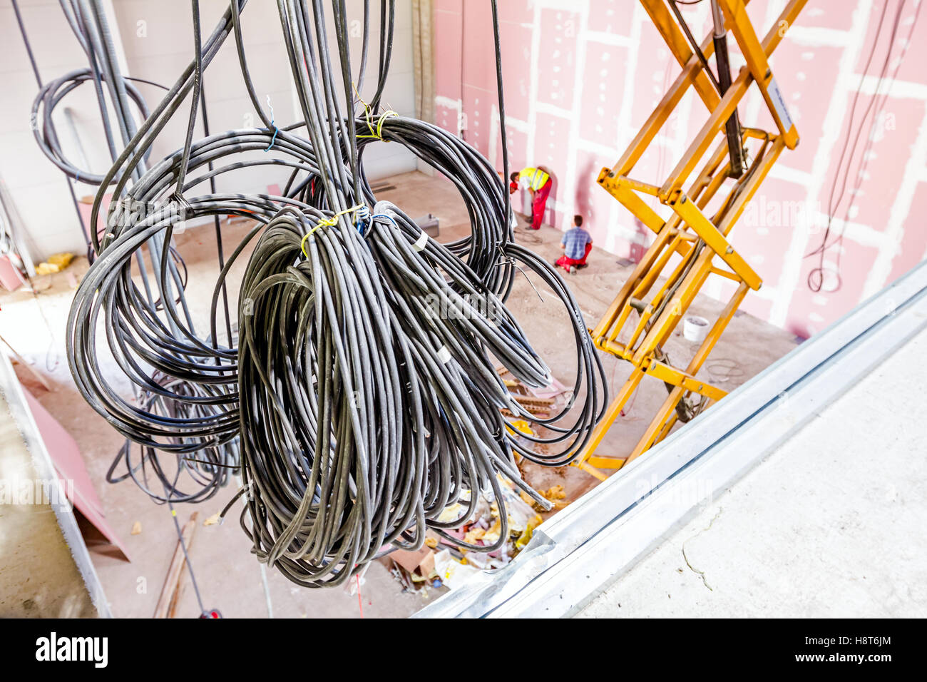 Hanging Cables Stock Photos & Hanging Cables Stock Images - Alamy