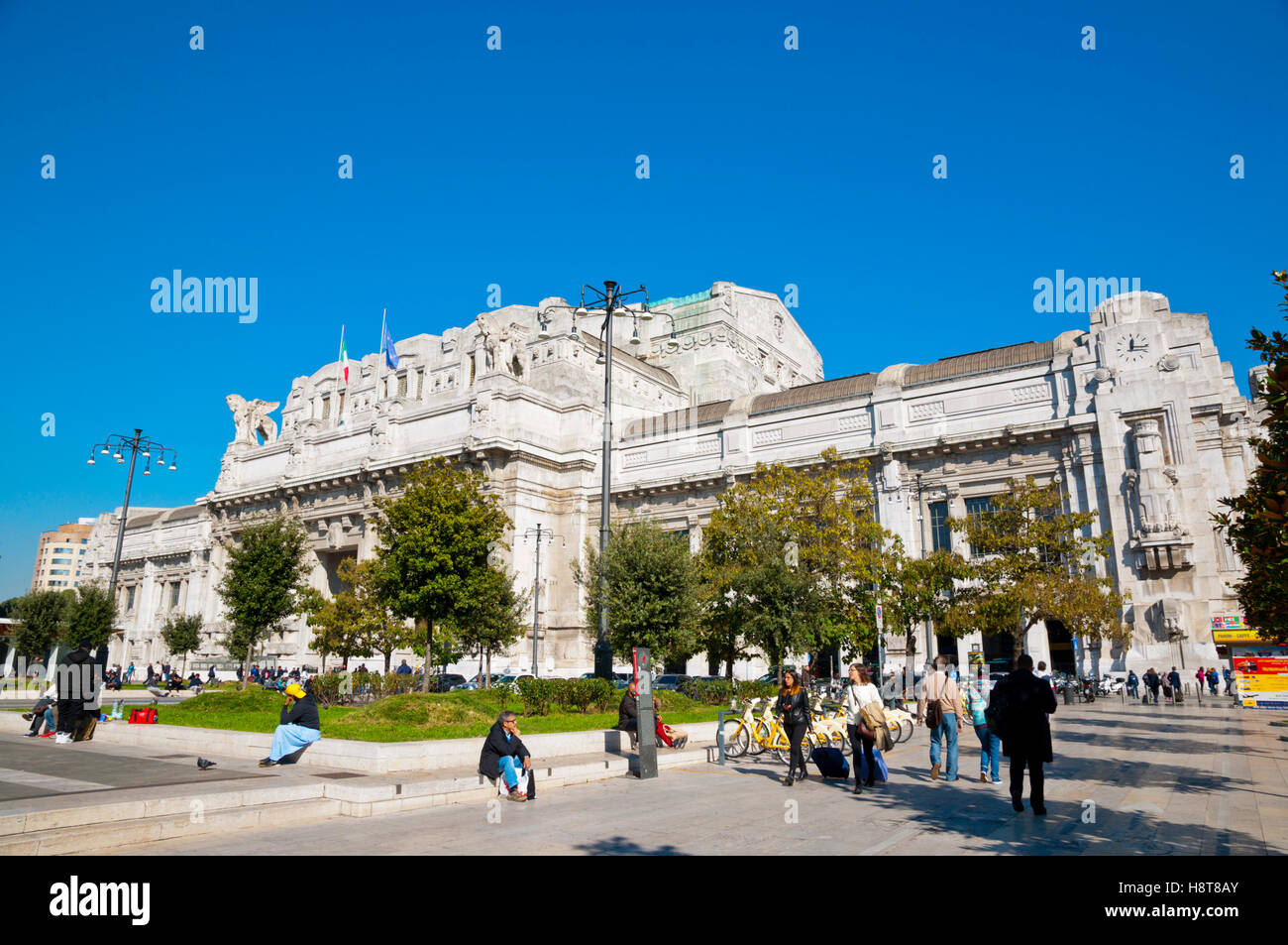Milano Centrale, main railway station, Piazza Duca d'Aosta, Milan, Lombardy, Italy - Stock Image