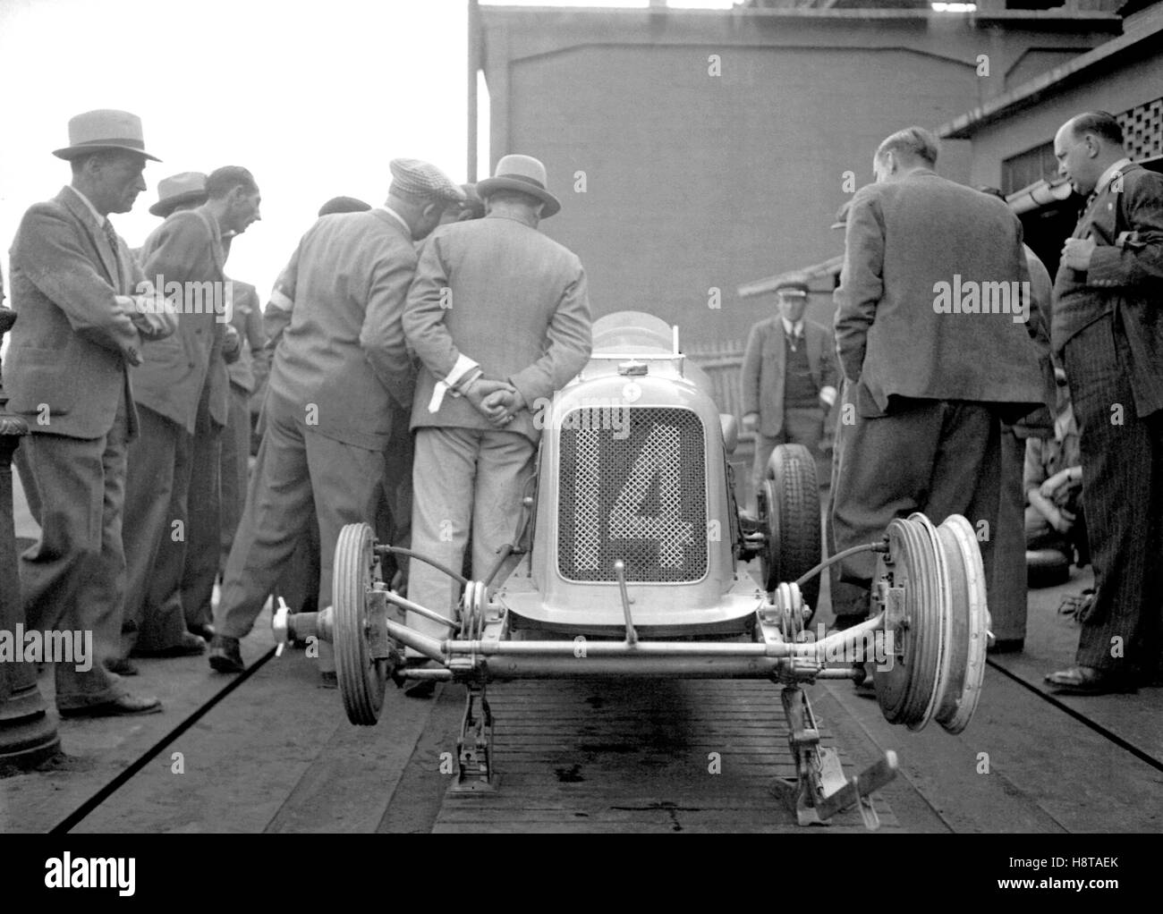 1930s MASERATI 8CM ON WEIGHBRIDGE - Stock Image