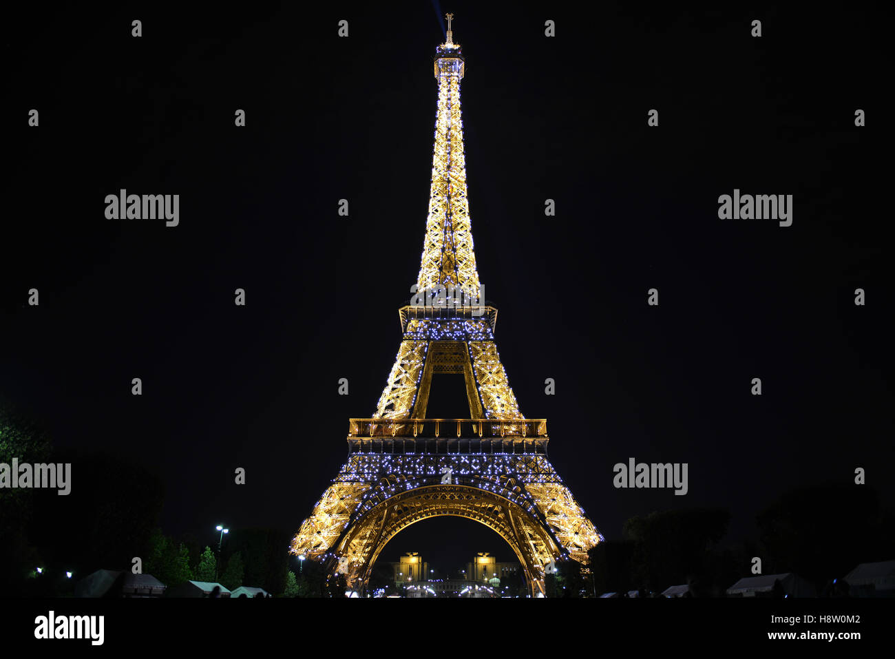Eiffel Tower, Paris, France, Europe - At night lit up. - Stock Image