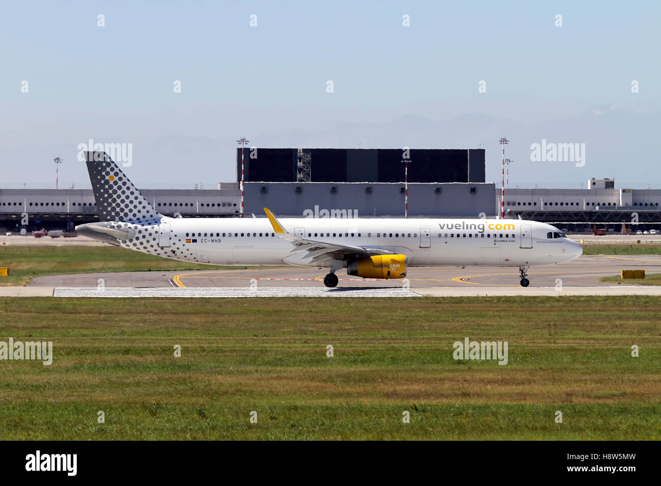 Vueling Airlines Airbus A321 at Milan - Malpensa (MXP / LIMC) Italy - Stock Image