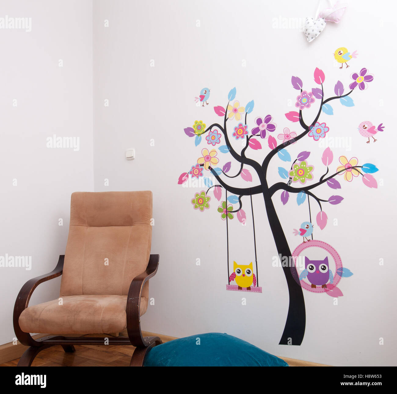 Handmade Posters Stuck Tree With Birds On The Wall In Children S Stock Photo Alamy