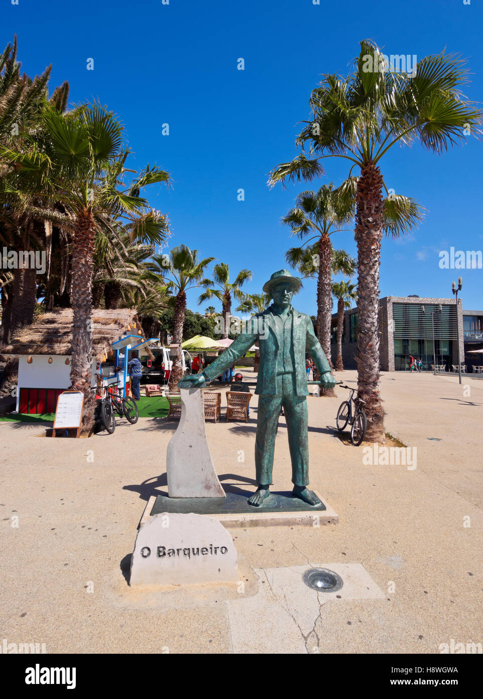Portugal, Madeira Islands, Porto Santo, Vila Baleira, View of the statue of the boatman. - Stock Image