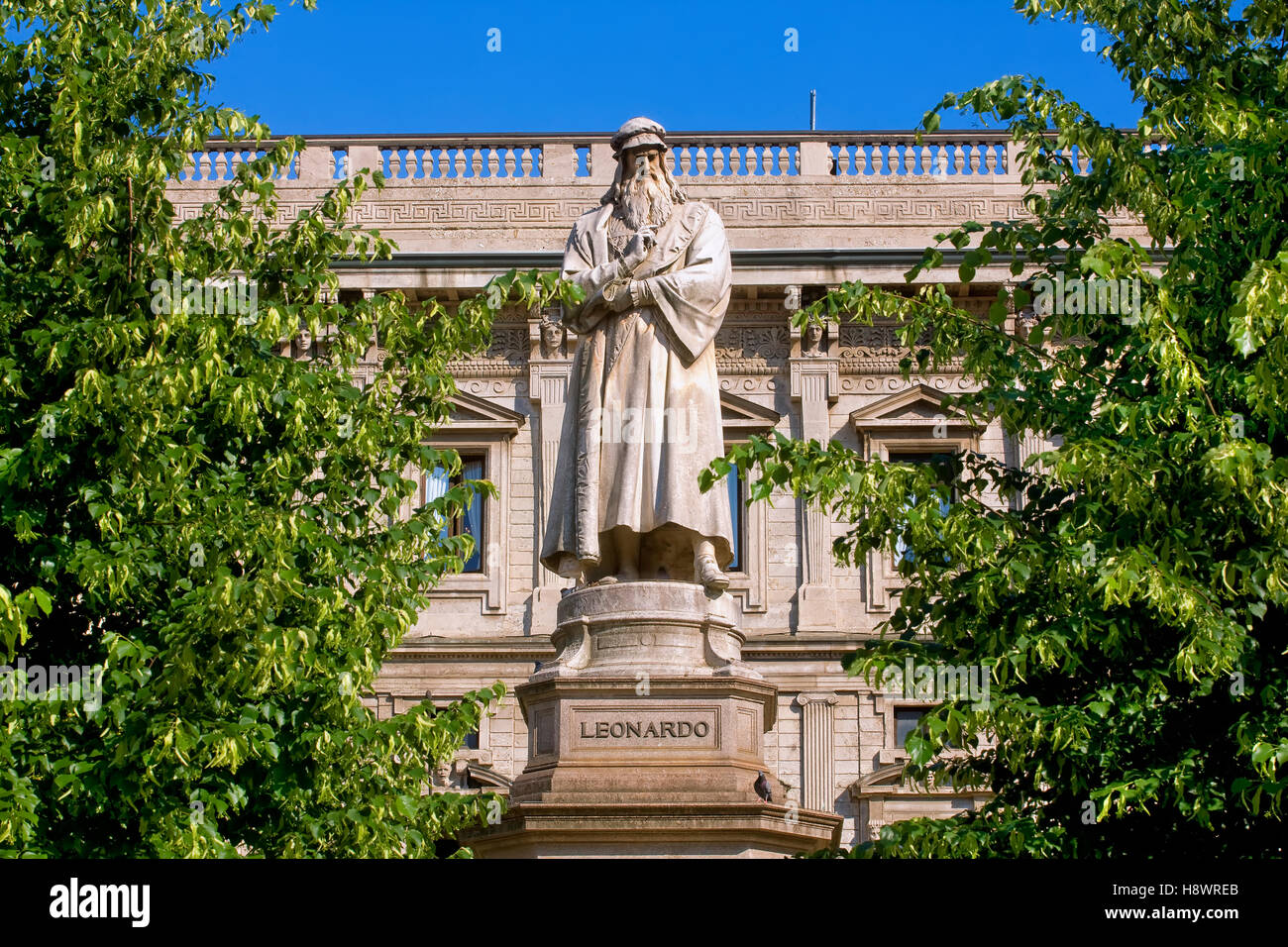 Statue of Leonard da Vinci, Milan, Italy - Stock Image