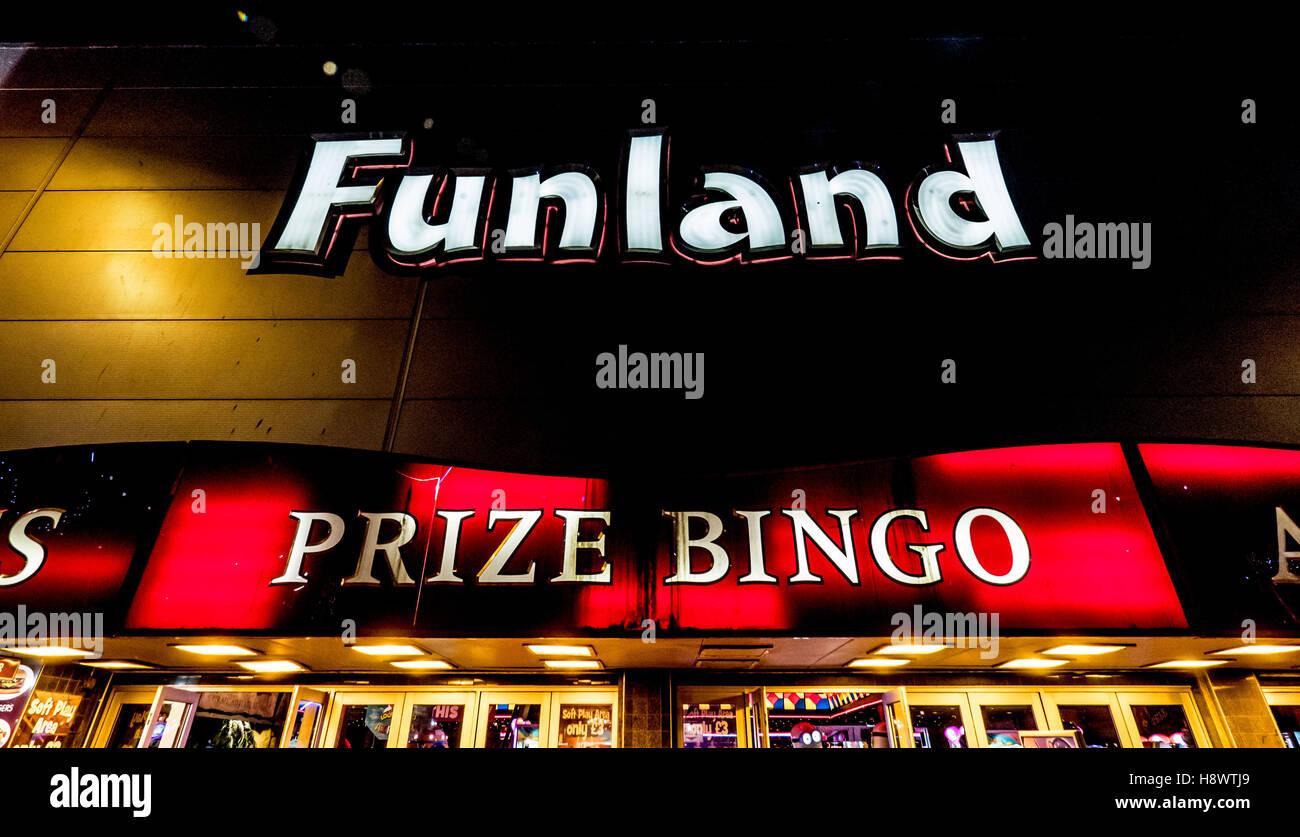 Funland Prize bingo illuminated sign, Blackpool, Lancashire, UK. - Stock Image