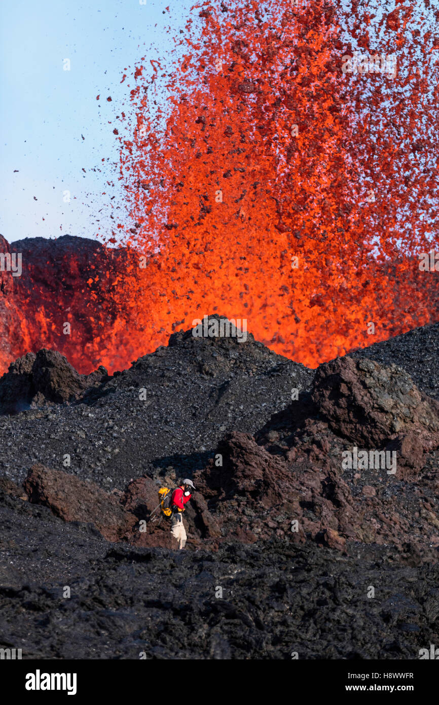 volcanologist on Piton de la Fournaise in activity, Volcano eruption 16 of september 2016, Reunion - Stock Image
