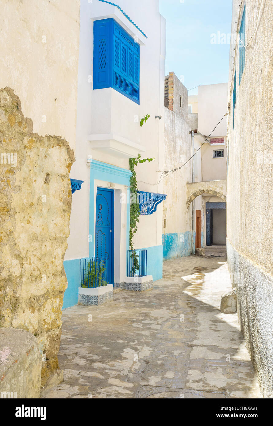 The streets of Medina sometimes are so narrow, that two people can't pass by each other, Bizerte, Tunisia. - Stock Image