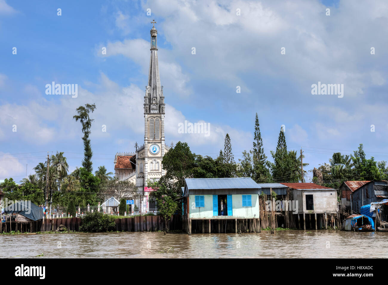 Life along the Mekong River in Cai Be, Mekong Delta, Vietnam, Asia - Stock Image