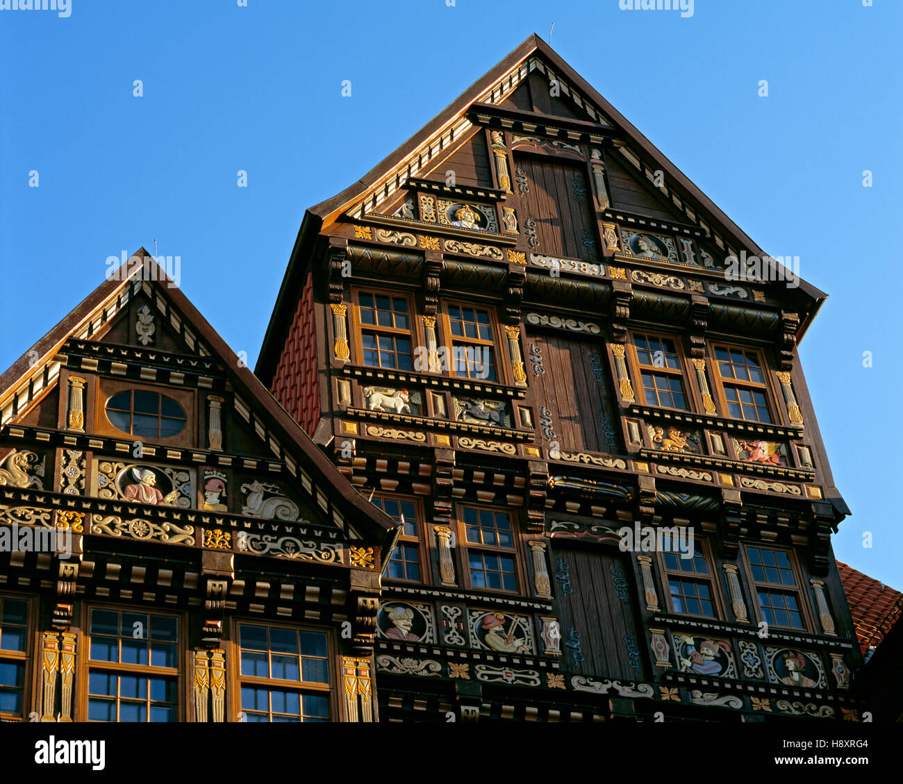 Decorative woodwork on the Wedekindhaus at the historical market square, Hildesheim, Lower Saxony, Germany - Stock Image