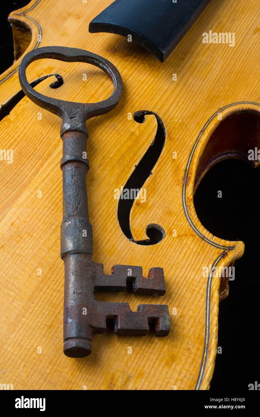 Violin Key Stock Photos & Violin Key Stock Images - Alamy