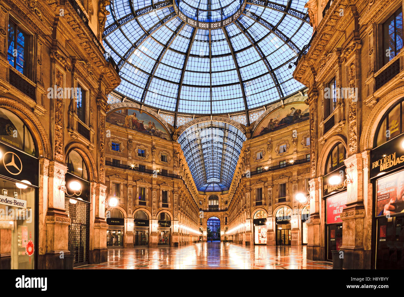 Shopping mall galleria stock photos shopping mall for Milan outlet shopping